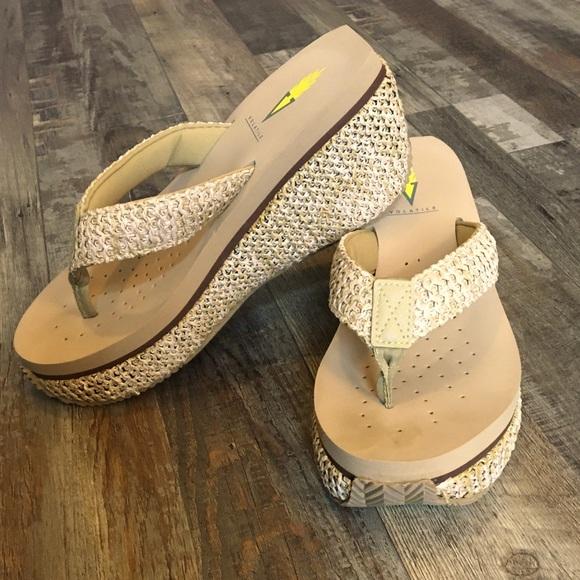 Volatile Island Woven Raffia Wedge Sandal, Size 7